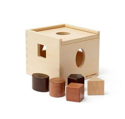 Ξύλινος κύβος ταξινόμησης σχημάτων Kids concept στο Bebe Maison
