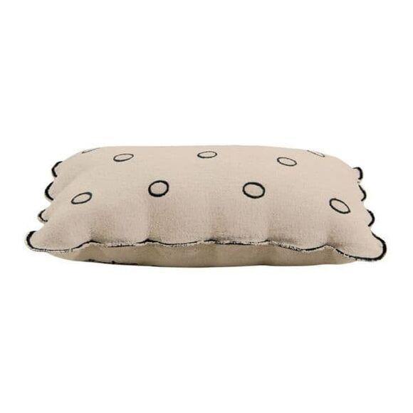 Lorena Canals μαξιλάρι μπισκότο στο Bebe Maison