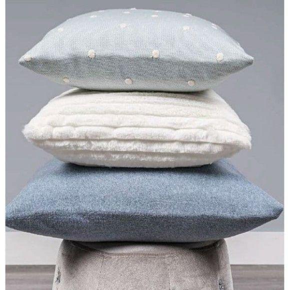 Τετράγωνο μαξιλάρι φιγούρας Picci από τη συλλεκτική σειρά Dili Best σχέδιο Astrid fleece melagne azzurro στο Bebe Maison